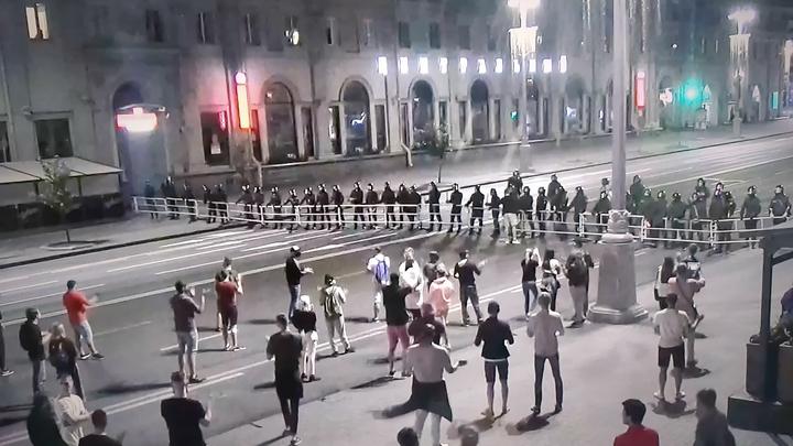 AP выложило скандальный кадр из Белоруссии: Он подольёт ещё больше масла в огонь протестов