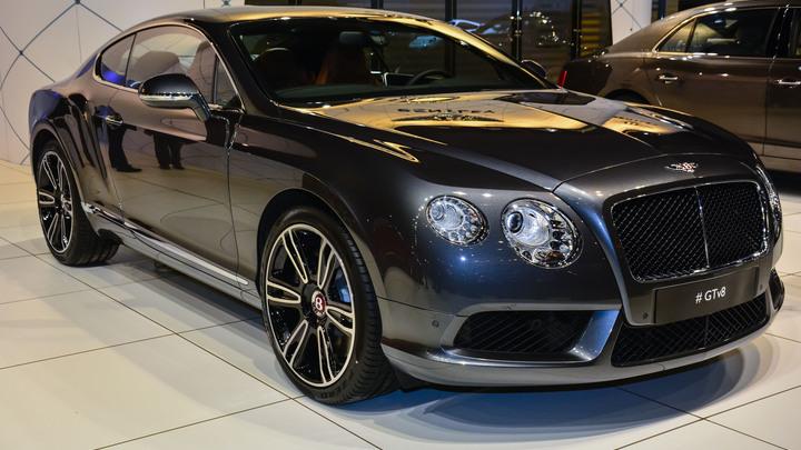 У питерского рабочего угнали Bentley Continental GT 2004