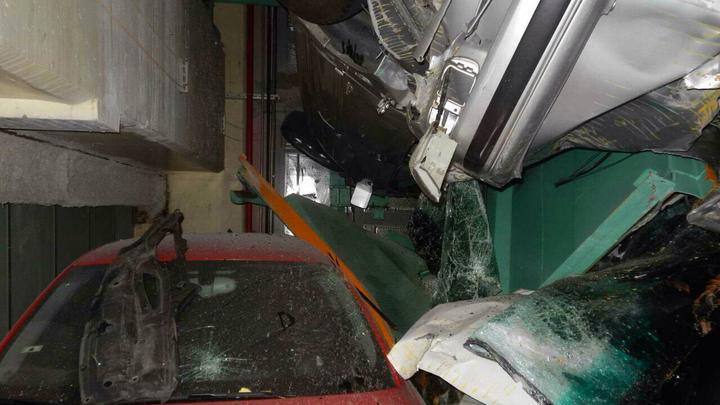 Рухнувший отель на Тайване запер под обломками минимум 17 человек