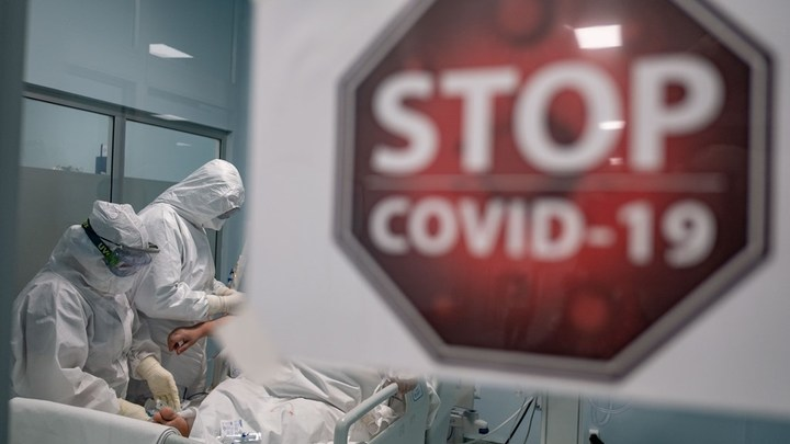 Шансы были нулевые: Британец откровенно рассказал о 61 дне на ИВЛ и операциях из-за COVID-19