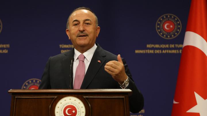 Спасибо, дорогой: Главы МИД Турции и Конго внезапно при всех заговорили по-русски