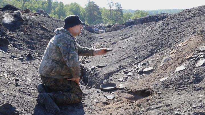 Яичницу на горящей земле приготовил житель Кузбасса
