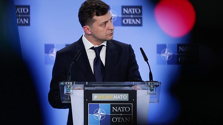 Цугцванг Зеленского: Почему украинский президент не торопится выполнять своё главное обещание