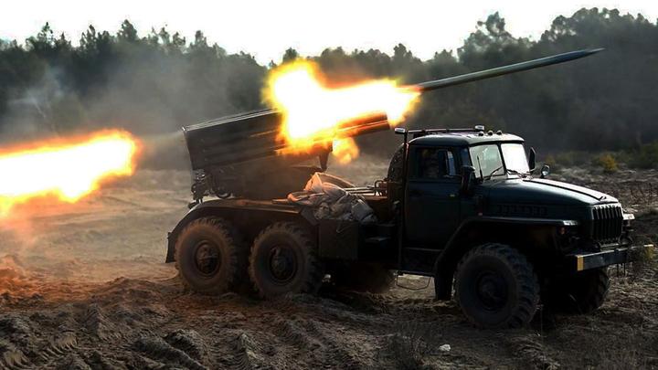 ВСУ потеряли опорный пункт в Донбассе - глава Минобороны Украины