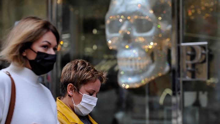 США полностью вакцинировали Украину
