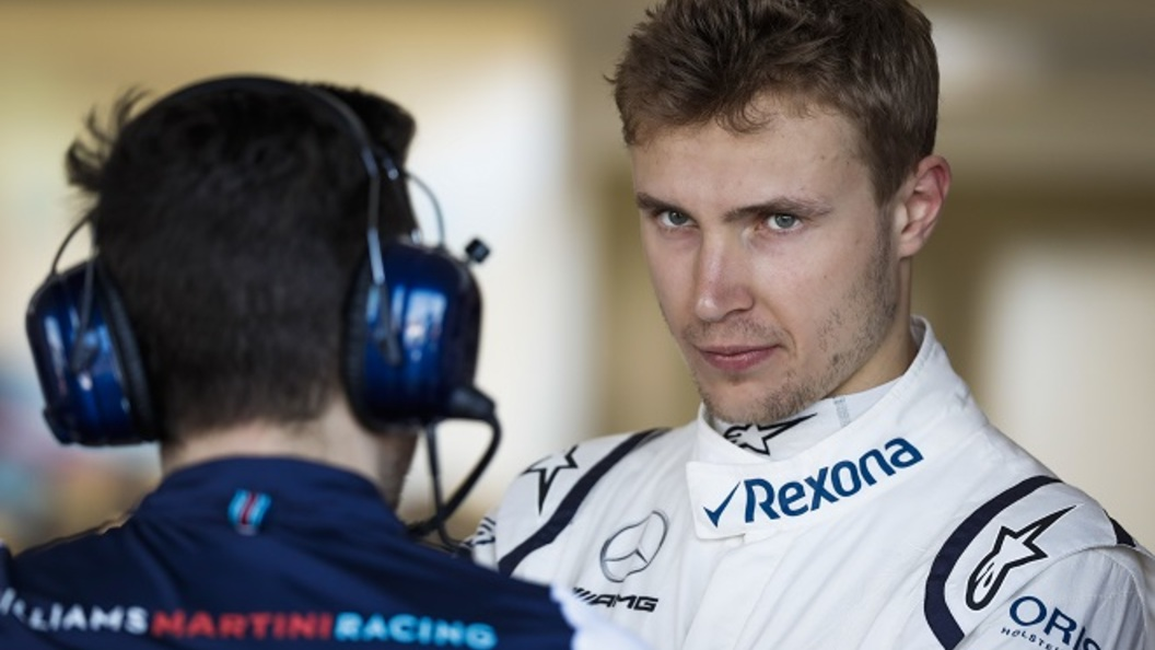 Житель россии Сергей Сироткин сошел сдистанции вдебютной гонке в«Формуле-1»