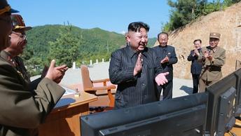 КНДР показала миру межконтинентальную баллистическую ракету нового типа Хвасон-15