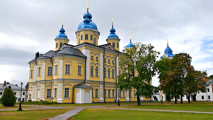 Не только углеводороды: Роснефть восстановила древний монастырь