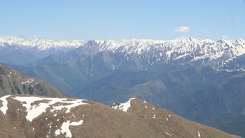 Огромная снежная лавина отрезала от цивилизации 51 населенный пункт в Дагестане - видео