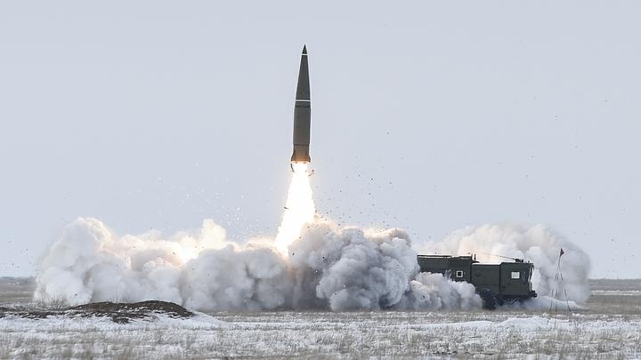 Столб дыма - и в небо: Ракета Искандер-М разгромила командный пункт противника