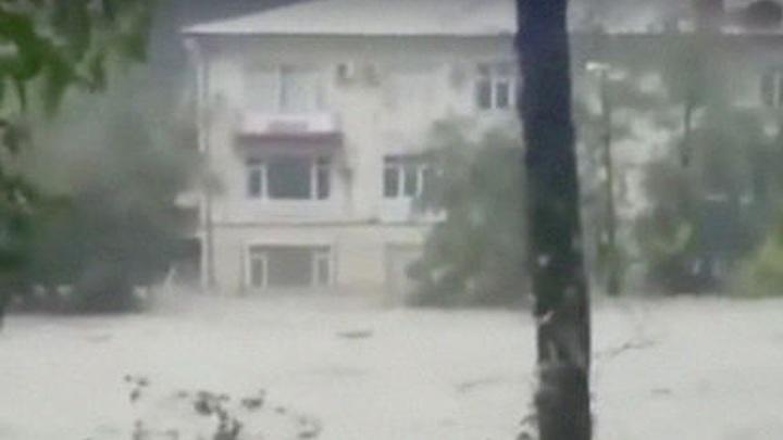 Организована срочная эвакуация: Река Раздольная угрожает смыть Уссурийск
