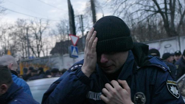Цем. Обнял. Солнышко: Побег Порошенко с митинга в Житомире обернулся шквалом фотожаб