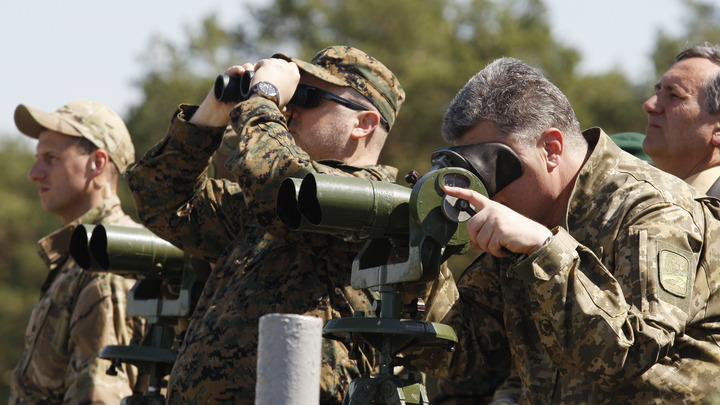 Молитесь за кровавого диктатора: В УАПЦ возносят хвалы Порошенко