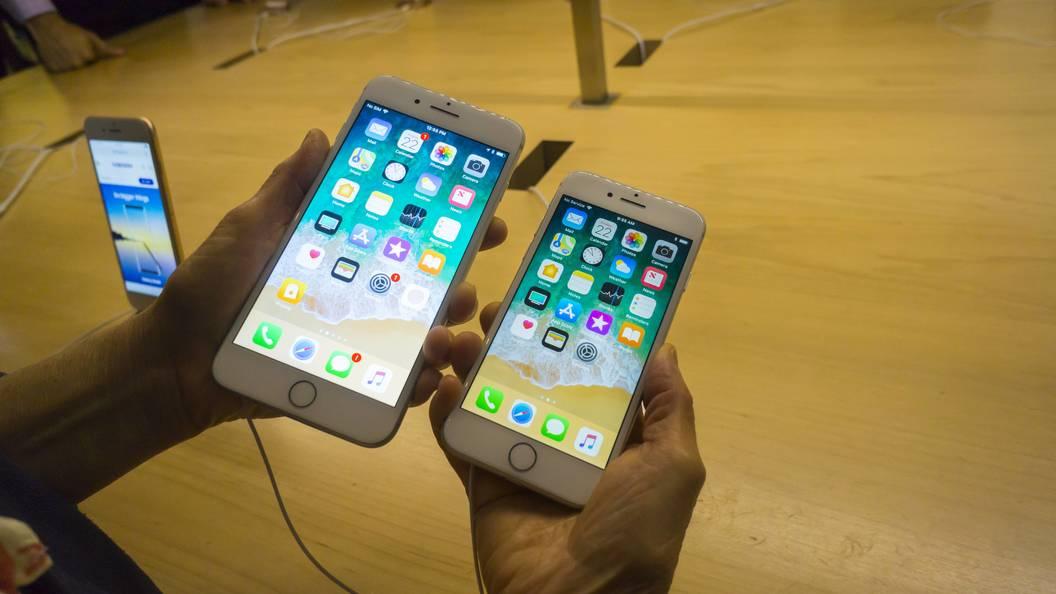 ВЯпонии создали 10-килограммовый чехол-гантелю для iPhone X