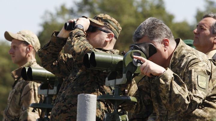 В море воют ураганы: Порошенко расширил ВМС Украины