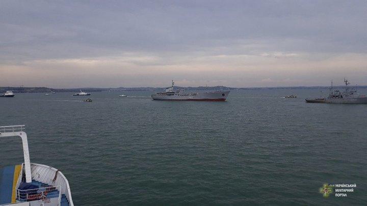 Преступником себя не считает: Командир арестованных украинских моряков счел себя военнопленным