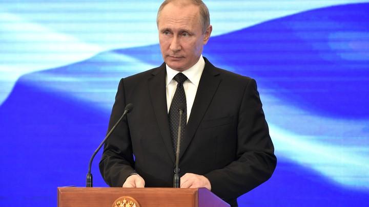 Властелин мира владеет знаниями: Путин сравнил искусственный интеллект с атомными технологиями