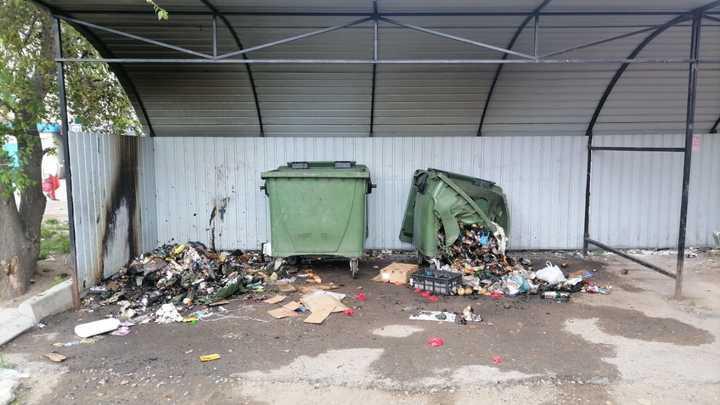 В Чите неизвестные поджигают мусорные контейнеры