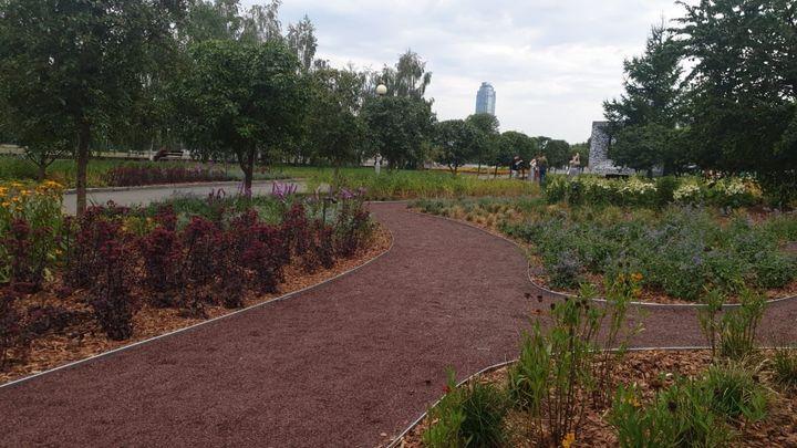 Вцентре Екатеринбурга открылся Сад трав