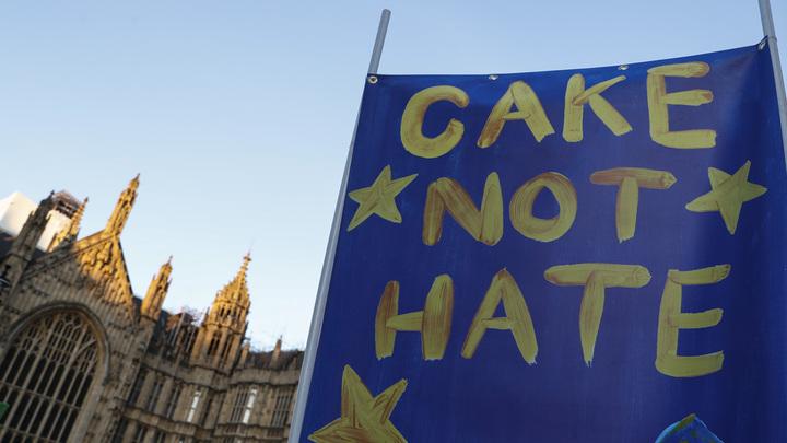 Казалось бы, при чём тут Сорос: В Британии зашаталась вековая двухпартийная система