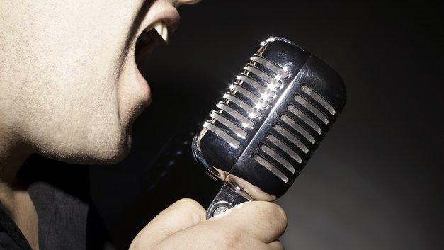 Замглавы Минтранса променял пост чиновника на карьеру рокера