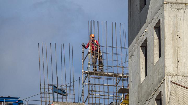 Из смертельного пике в мёртвую петлю: Эксперт о том, что происходит на строительном рынке России