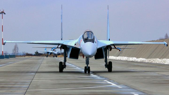 Русские Су-35 зажали убийцу подлодок. Американцы признались, что запомнили трюк надолго