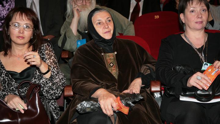 Не обращайте внимания на пену: Актриса и инокиня Ольга Гобзева поддержала Бога в Конституции