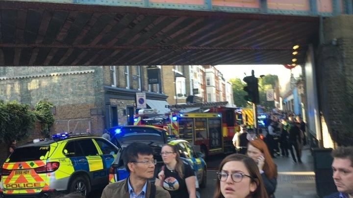 Взрыв в центре Лондона поверг в шок британцев