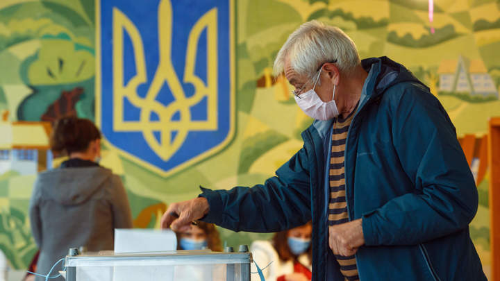 Устраивал сафари на людей: Отсидевший за убийство выиграл выборы на Украине