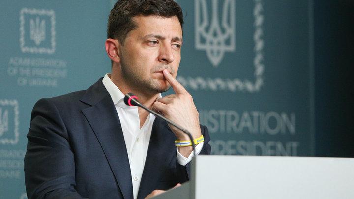 Жертвам режима Путина на заметку: Зеленский приготовился раздавать украинские паспорта русским
