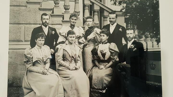 Семейная встреча в Дармштадте в 1894 год. Фото из архива Евгения Криницына