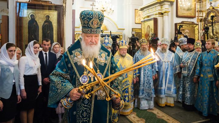 Патриарх Кирилл освятил в Минске храм Всех святых и посвятил его героям, защищавшим родную землю