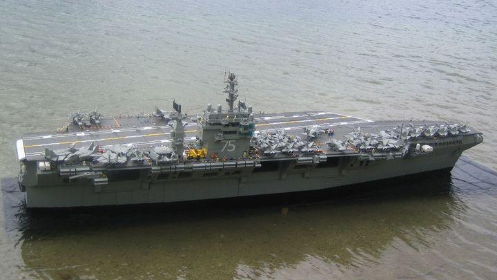Так можно и на войну не успеть: Ударная группа ВМС США не торопясь начала двигаться к Сирии