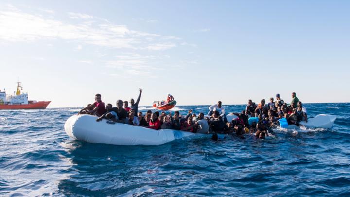 Почему мигранты занялись «пиратством» в Средиземноморье