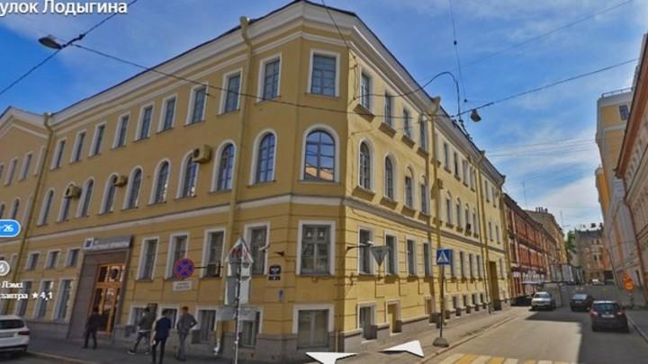 Легче построить, чем переделать старое. Центр Петербурга нашпиговывают новыми домами
