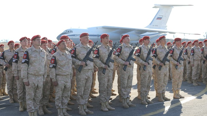 На авиабазе Хмеймим в Сирии состоялся праздничный концерт в честь Нового года