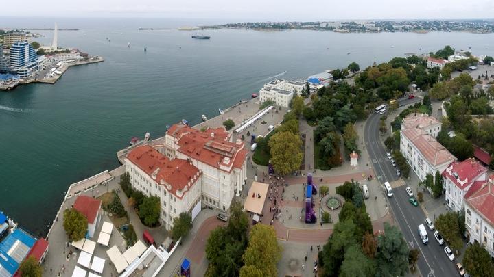 Туристов в Крыму ждут только с особым документом