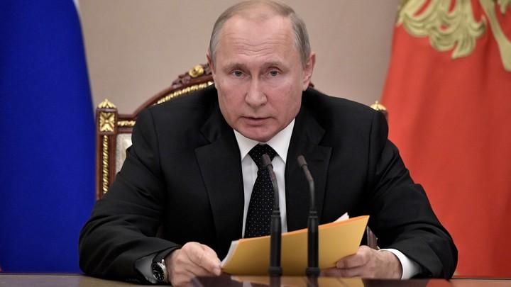 Уволить в полном составе: Экономист предложил Путину радикально решить проблему бедности