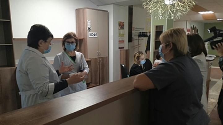 Лучший способ профилактики: Политолог поспорил с главой Роспотребнадзора о защите от коронавируса