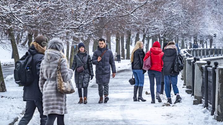 Скандинавская зима: Жителям Москвы рассказали, сколько снега ждать к Новому году
