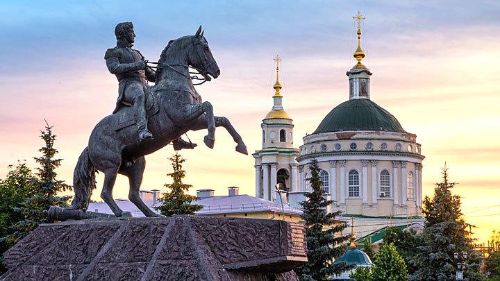 Ермолов и Ермак сами не отобьются: Вслед за памятниками снесут Россию