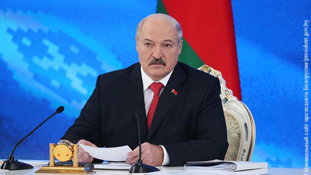 Лукашенко об обстрелах в Донбассе: Ответственность лежит на Порошенко