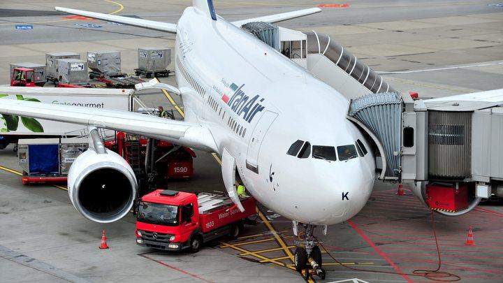 Спасатели успели эвакуировать пассажиров загоревшегося в Тегеране авиалайнера IranAir