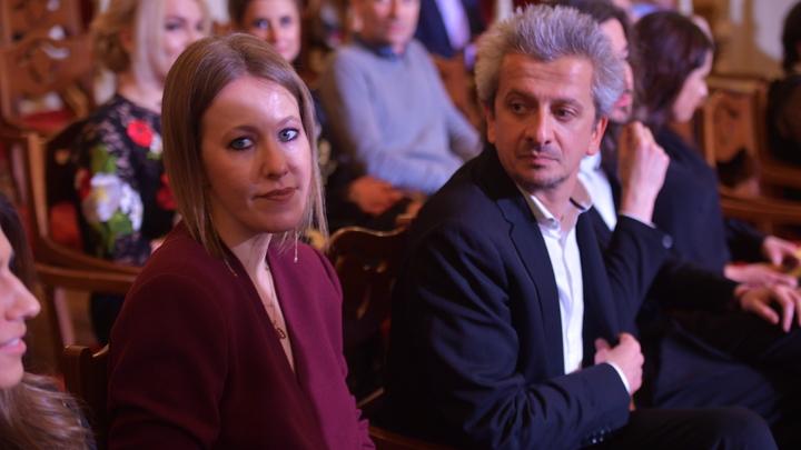 Не стыдно... смотреть в глаза прихожанам? Блогосфера не унимается после венчания Собчак и Богомолова