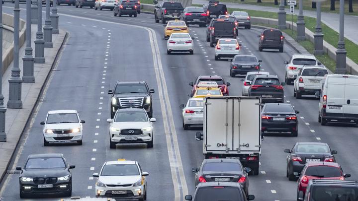 Говорить вслух - смотреть в камеру: Правила получения водительских прав в России хотят ужесточить