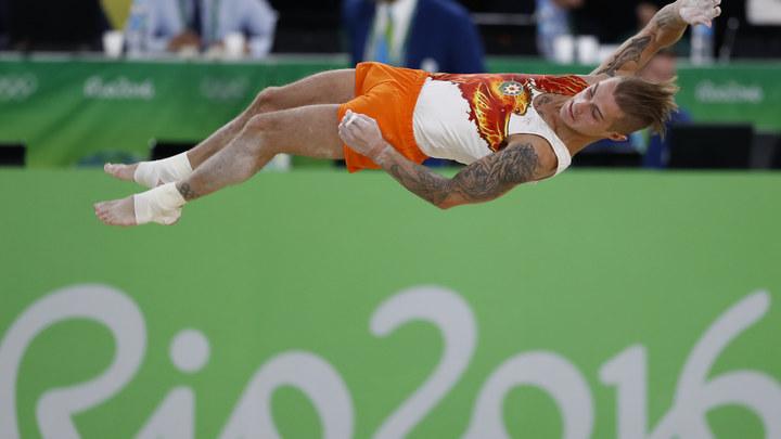 Гимнаст Олег Степко никак не может определиться со спортивным гражданством