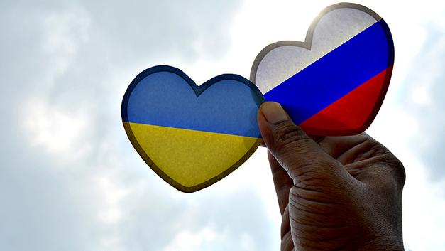 Извините, идиоты!: Карен Шахназаров не пожалел марионеток США