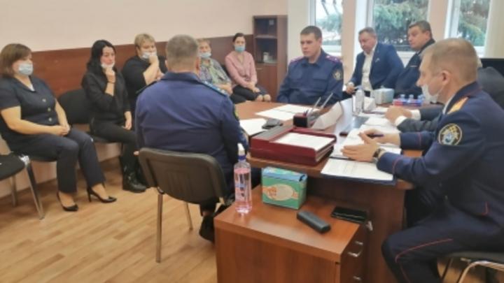 Жителей села Бужаниново заверили, что в проблемное общежитие больше не заселят мигрантов