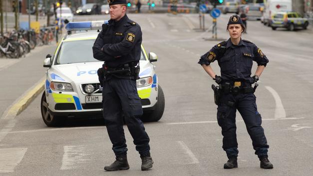 Второй раз за лето: В Швеции люди устроили массовую стрельбу